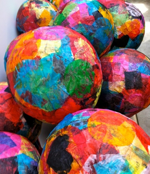 tissue paper hot air balloon Balloon & paper mache lantern need: • balloon, blown up to desired size • glue & water mixture, 50/50 mix • tissue paper, torn or cut into small pieces.