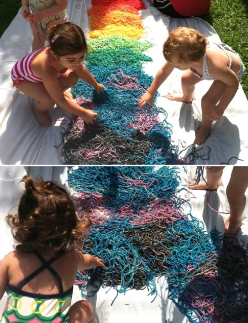 https://mericherry.wordpress.com/2013/07/02/rainbow-spaghetti-play-group-oodles-of-noodles/