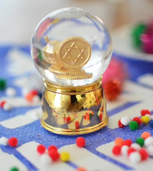 Hanukkah Snow Globe