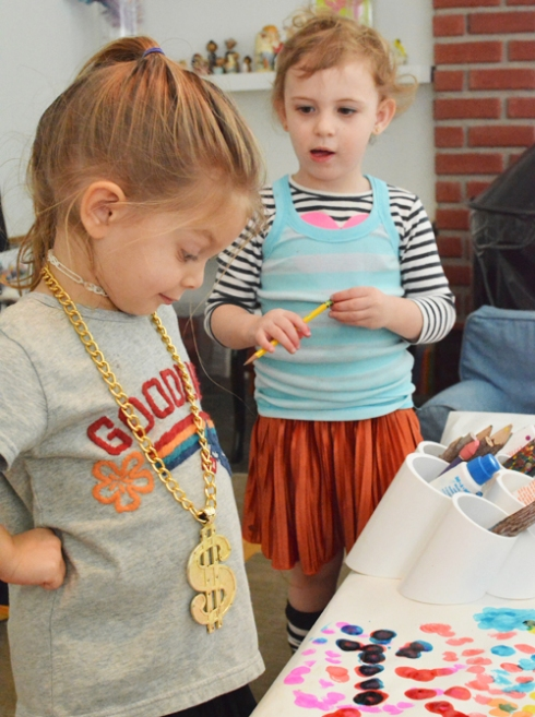 How to have a successful art play date for toddlers